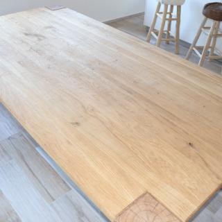 dubový stůl - detail - struktura dřeva